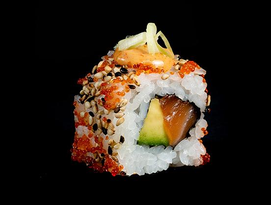 uramakis Spicy salmon maki